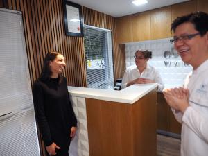 eDentistry-Wantirna-Dr-Alex-Loh-Dentist-Patient-Having-Fun